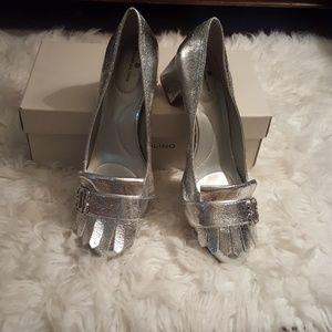 Bandolino silver heels